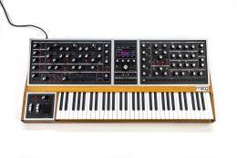 MOOG ONE 16-Voice - syntezator analogowy